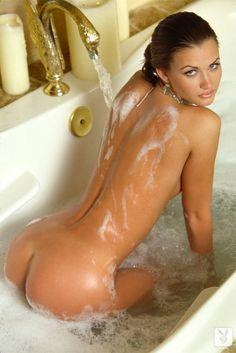 beautiful nude selfies