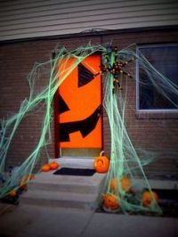 1000+ images about Door decorations on Pinterest ...