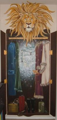 NARNIA - have to do something like this for my classroom.