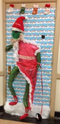 1000+ images about Christmas doors on Pinterest ...