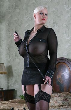 bbw dominatrix in leather
