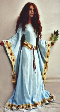 1000+ images about Medieval dresses on Pinterest ...