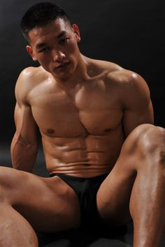 asian muscle men naked