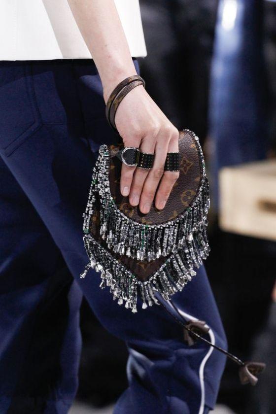 Louis Vuitton Fall 2016 Ready-to-Wear Fashion Show Details: