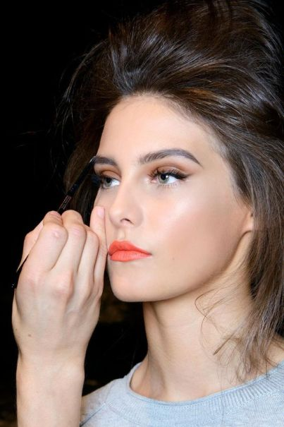 Summer Beauty: 8 Orange Lipstick Looks You Should Try | StyleCaster: