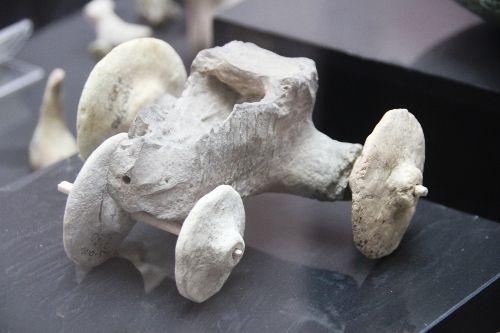 Resultado de imagen para stone age car toy