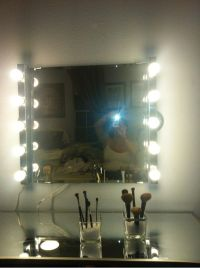 My DIY hollywood girl inspired mirror and vanity! Light ...