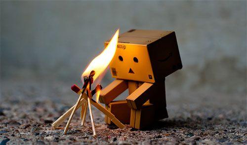 Cute Amazon Box Robot Wallpaper Cute Little Cardboard Robot Photos Cool Stuff