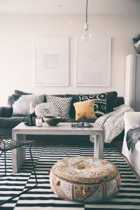 Inredning, Poufs and Living rooms on Pinterest