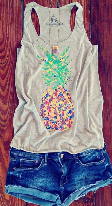 Colorful Speckled Pineapple Print Tank: