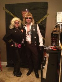 Dog and beth the bounty hunters couples halloween costume ...