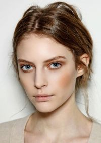 Pretty makeup & disheveled but neat hair. | Beauty ...