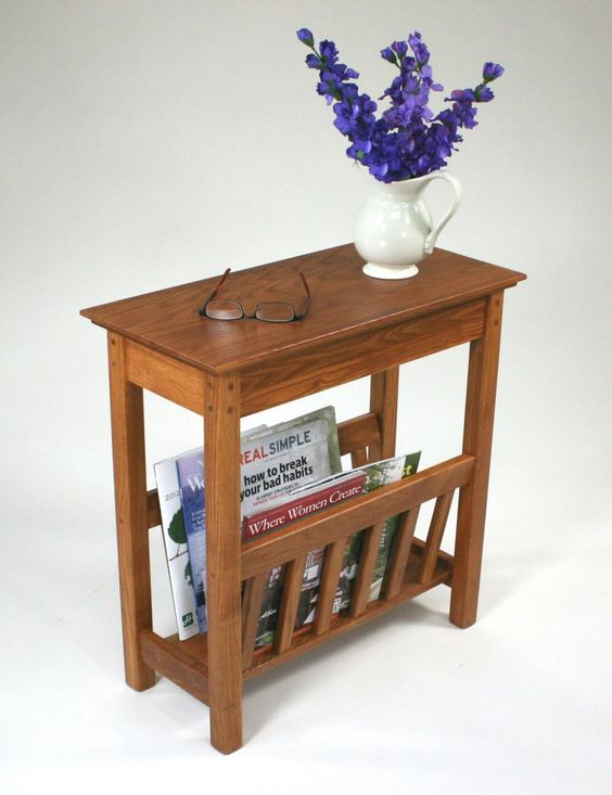 Small side table with magazine rack
