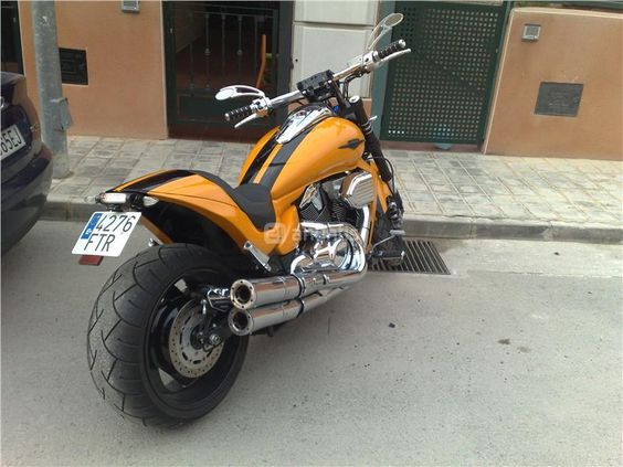 customized suzuki intruder m109