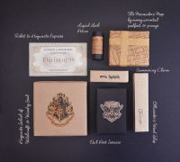 harry potter diy gift wrap ideas, hogwarts seal, hogwarts