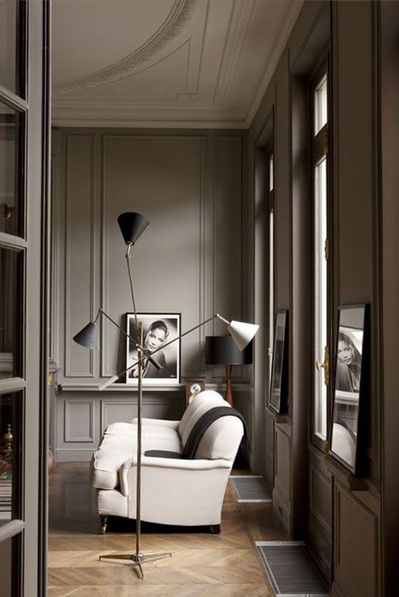 Painting Moulding the Same Color as the Walls