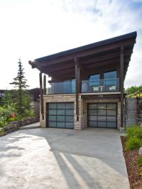Cool House Facade Design with Awesome Garage Doors: Cool ...