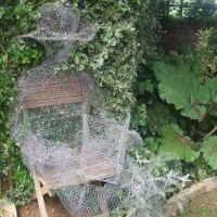Halloween Decoration: DIY Ghosts Using Chicken Wire ...