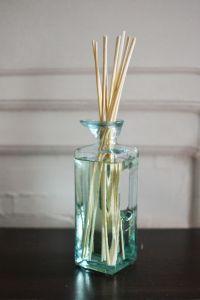 Reed Diffuser: 1/4 c. water, 3 tbsp. vodka, 12 drops ...