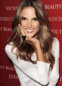 Alessandra Ambrosio Hair Color | Brunette w/ Lights ...
