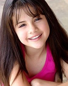 Cute Heart Wallpaper Background Celebrities As A Child Selena Gomez Childhood Photos