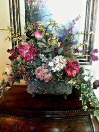 Traditional Floral Arrangement, Formal Dining Table ...