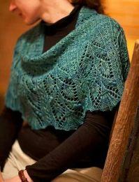 Beautiful lace shawl and free pattern | Knit wraps, shawls ...