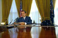 President Richard Nixon in the Oval Office. | onarchs ...