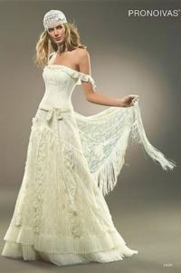 pirate wedding dress | reminds me of a gypsy or pirate ...