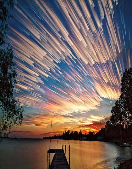 This sunset looks like a thousand shooting stars across the sky (RE&D) It sure does, a picture worth a thousand words.: