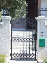 Home Ideas For > Simple Iron Gates Design   Wrought iron ...