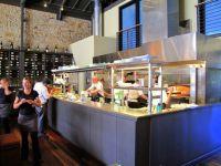Restaurant kitchen, Open kitchens and Open kitchen ...