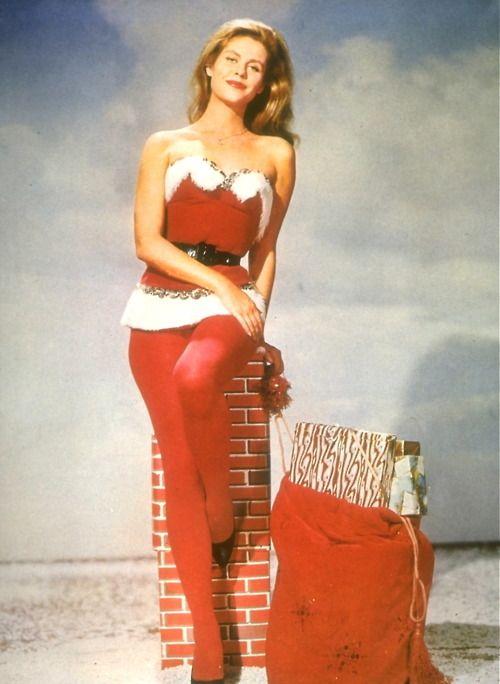 Pin Up Girl Art Vintage Wallpaper 85 Best Images About Elizabeth Montgomery On Pinterest