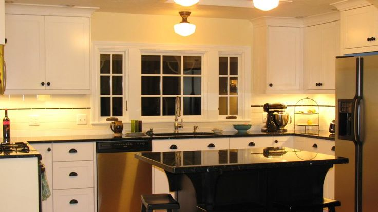 Pics Of Kitchens With Off White Cabinets Benjamin Moore Windham Cream | Kitchen | Pinterest | We