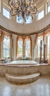 1000+ ideas about Old Bathrooms on Pinterest | Small ...