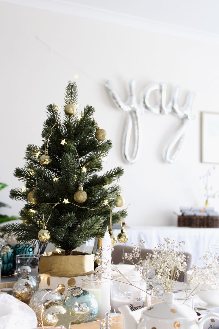 How to style a christmas table with ease