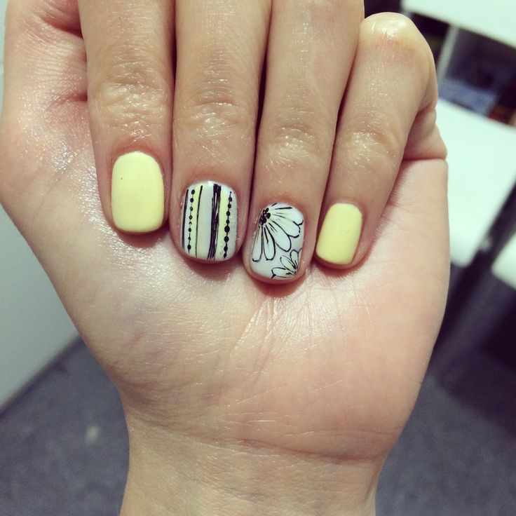 Spring Daisies And Stripes Nail Art Cnd Pale Yellow
