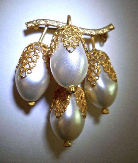 betsy pearl cluster earrings