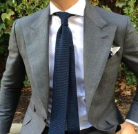 What color tie should I wear with a grey shirt? - Quora
