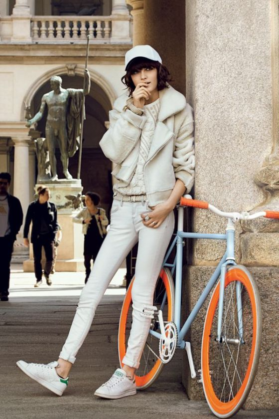The Coolest All-White Ensembles of the Season From Teen Vogue August 2013 Trainers: