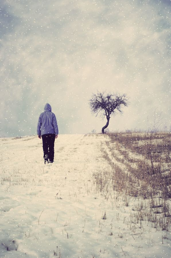 Lonely Girl Walking In Rain Wallpaper 10 Images About Walking Alone On Pinterest The Fog The