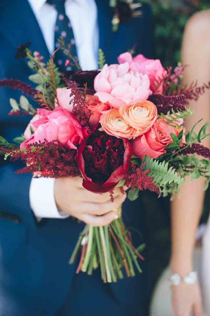wedding flower arrangements wedding flower arrangements 22 Beautiful Wedding Bouquets for July
