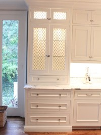 Chicken Wire Cabinets WITH lights!   home and decor ...