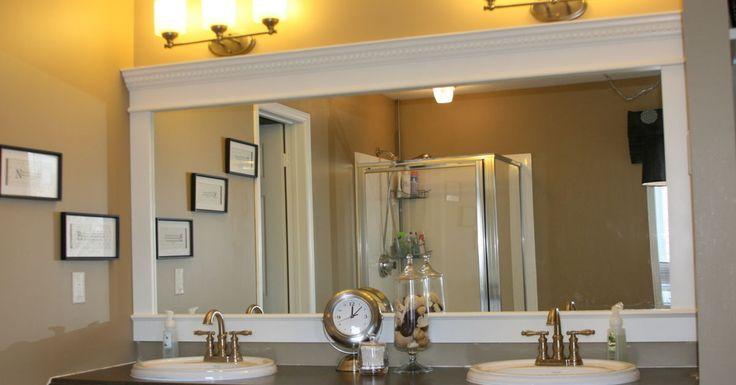 Mais de 1000 ideias sobre frame bathroom mirrors no