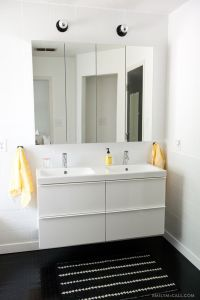 Master bathroom with IKEA GODMORGON mirrored medicine ...
