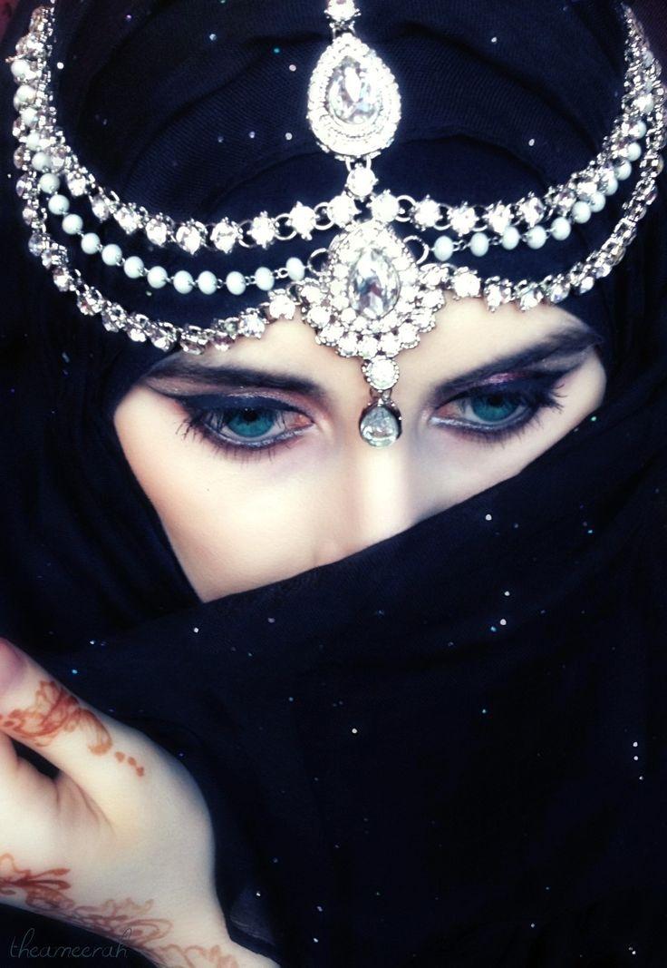Muslim Girl In Hijab Wallpaper Arab Woman With Beautiful Eyes Arabian Beauty