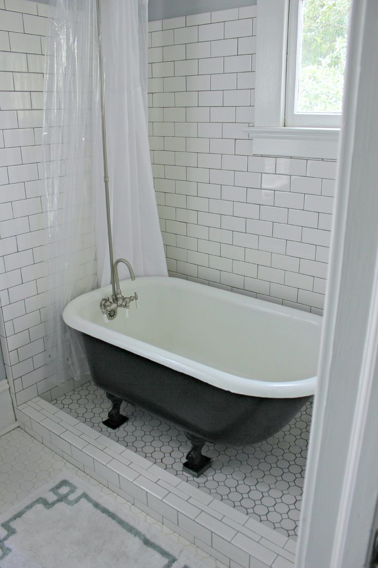 Transparent plastic shower curtain which combined with subway tile ceramic glass wall as well