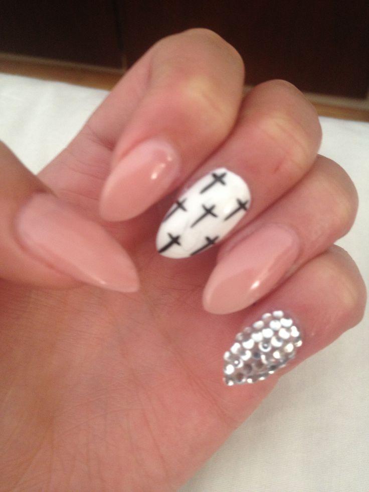 Almond shape & nail art!