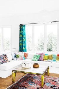 17 Best ideas about White Couch Decor on Pinterest   Cozy ...