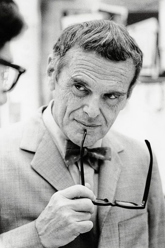 Charles Eams Charles Eames Was Born In 1907 In St. Louis, Missouri